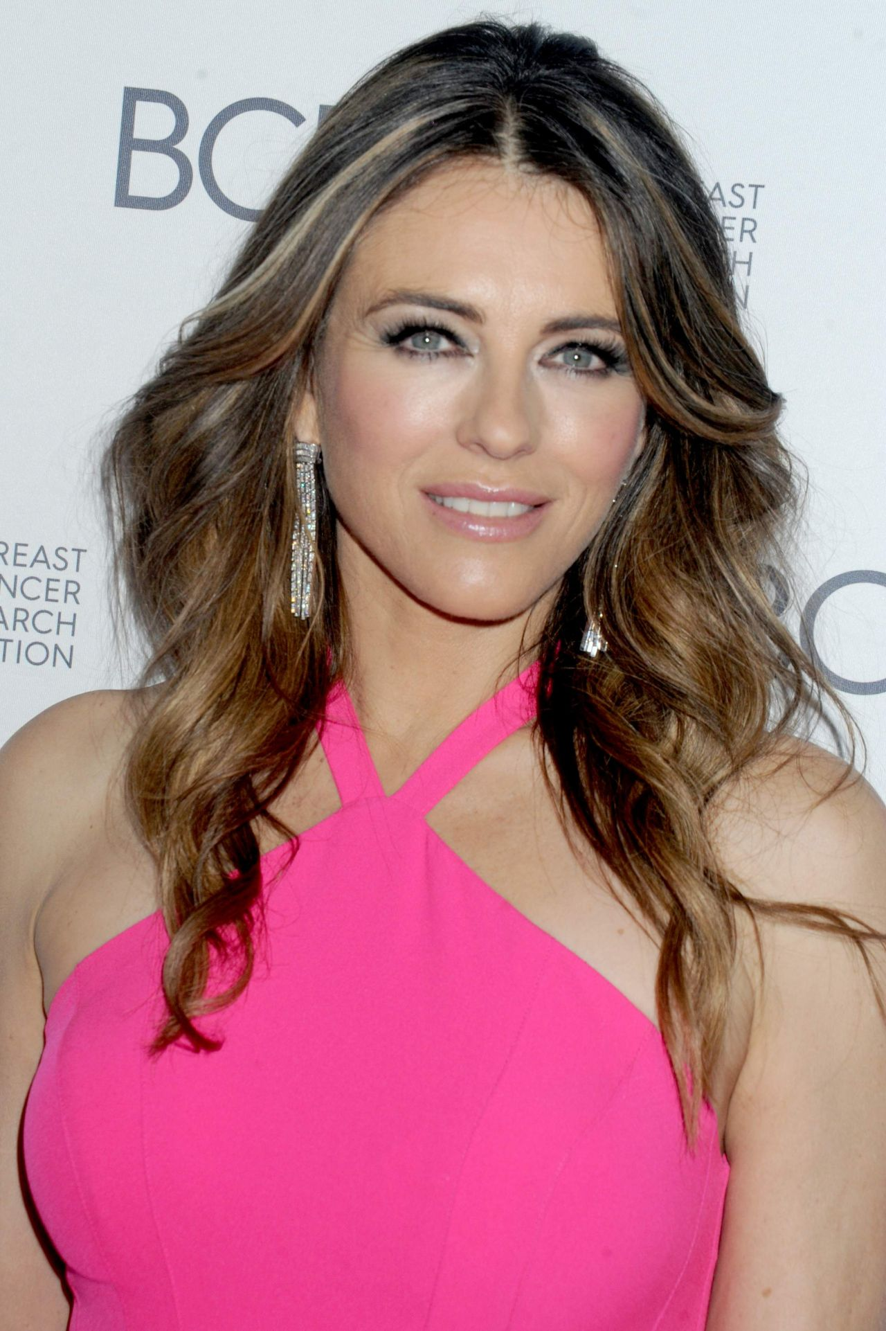 elizabeth hurley height