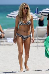 Ellie Goulding Bikini Photos - Beach in Miami 4/28/2016