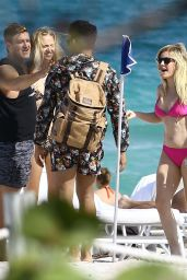 Ellie Goulding in a Bikini at a Beach in Miami, FL 4/26/2016