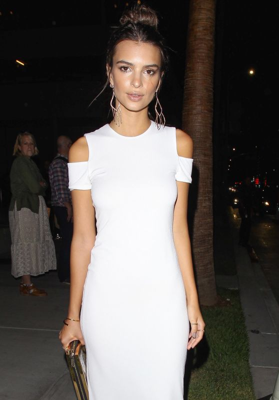 Emily Ratajkowski - alice + olivia Present See-Now-Buy-Now Runway Show at NeueHouse in Los Angeles, CA