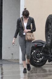Emma Stone Booty in Leggings - at a gym in West Hollywood 4/9/2016