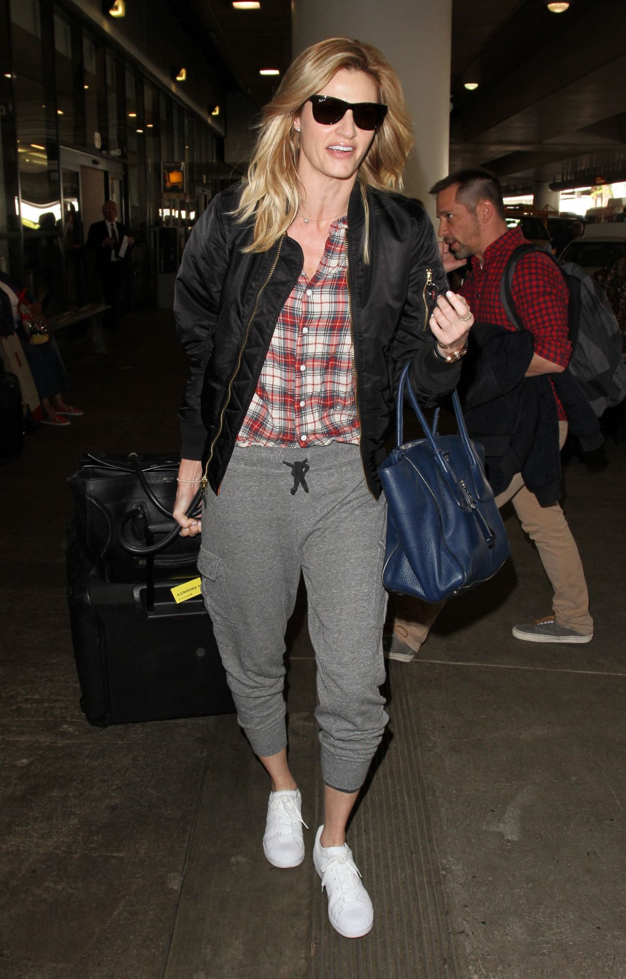 Erin Andrews At Lax Airport 4 1 2016