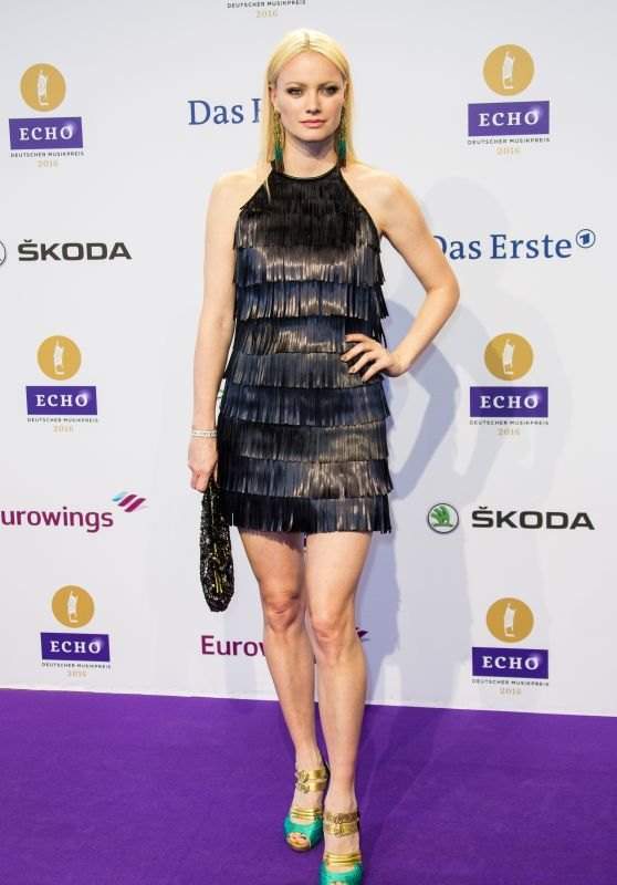 Franziska Knuppe – 2016 Echo Music Awards in Berlin, Germany