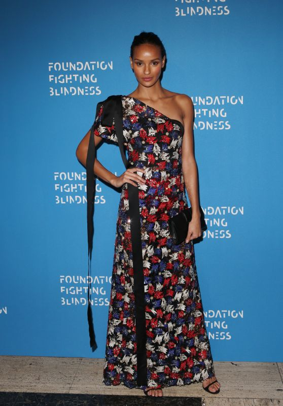 Gracie Carvalho – Foundation Fighting Blindness World Gala in New York City, April 2016