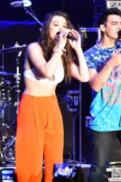 Hailee Steinfeld Performing at the Chum FM Breakfast in Barbados, April 2016