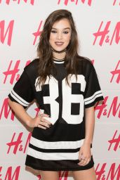Hailee Steinfeld - Performing During H&M at Sundance Square Opening in Fort Worth, Texas  4/20/2016