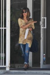 Halle Berry - Brings Her Tie-Dye Style to the Los Angeles Streets 4/4/2016
