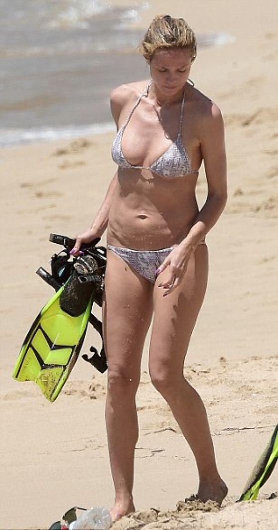 Heidi Klum In A Bikini 102