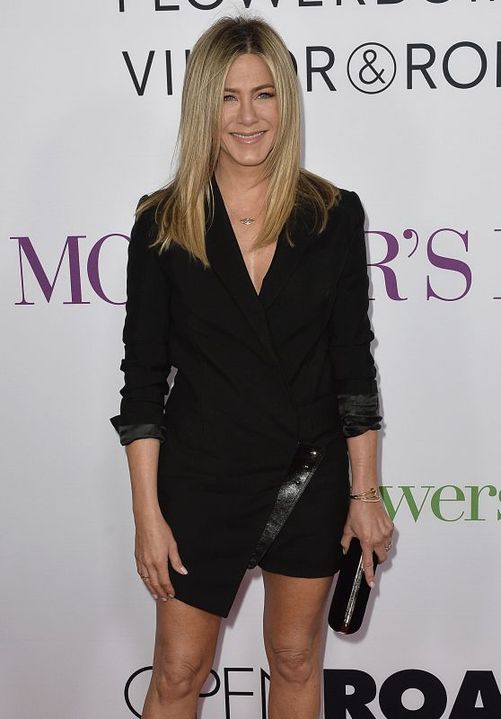 Jennifer Aniston – 'Mother's Day' World Premiere in Los Angeles