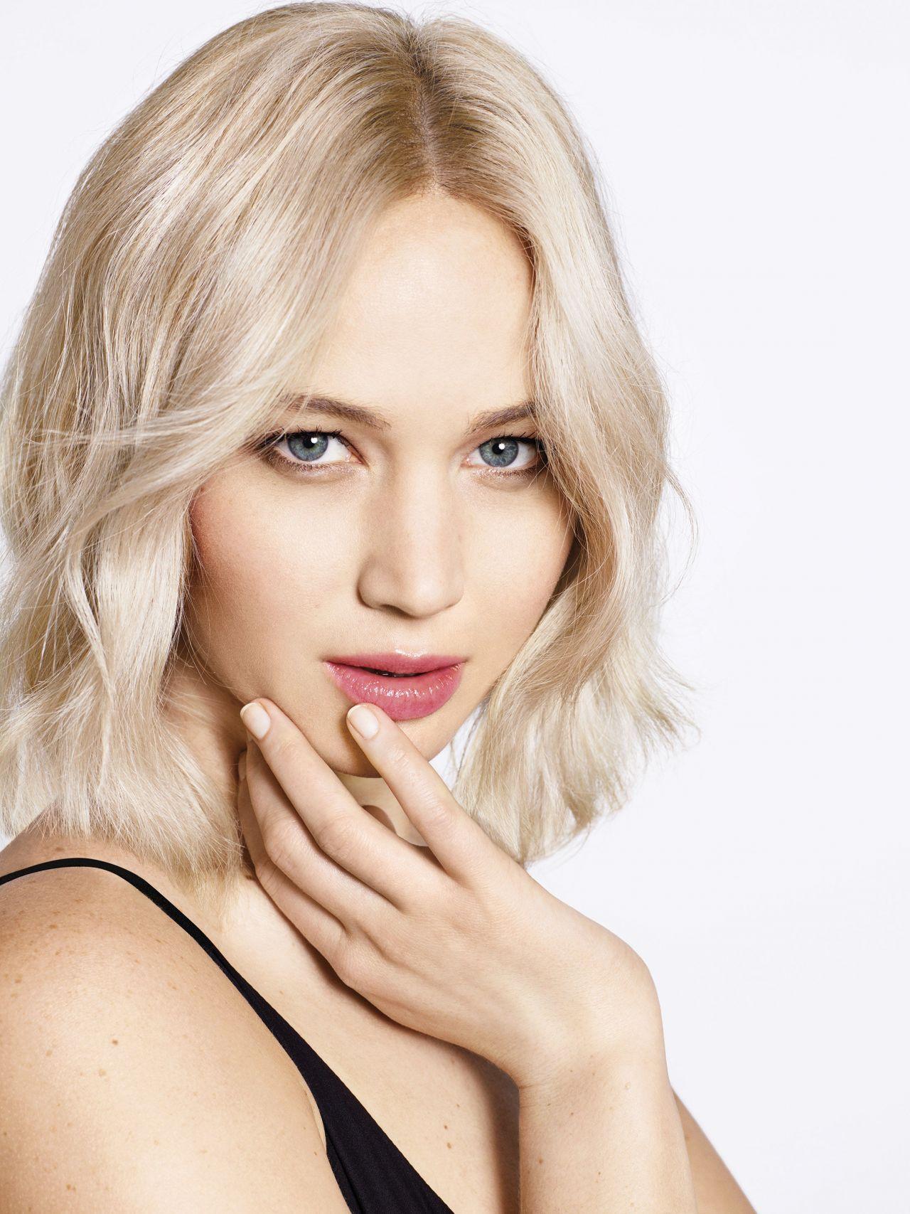 Jennifer Lawrence Photo Shoot For Harper S Bazaar