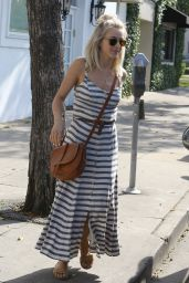 Julianne Hough - Picked up Goodies at Gifting Suite With Her Fiancee, Brooks Laich, Beverly Hills 4/14/2016