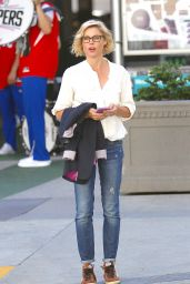 Julie Bowen - Out in Los Angeles 4/20/2016