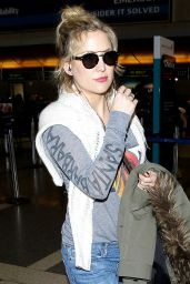 Kate Hudson at LAX Airport in Los Angeles 4/13/2016
