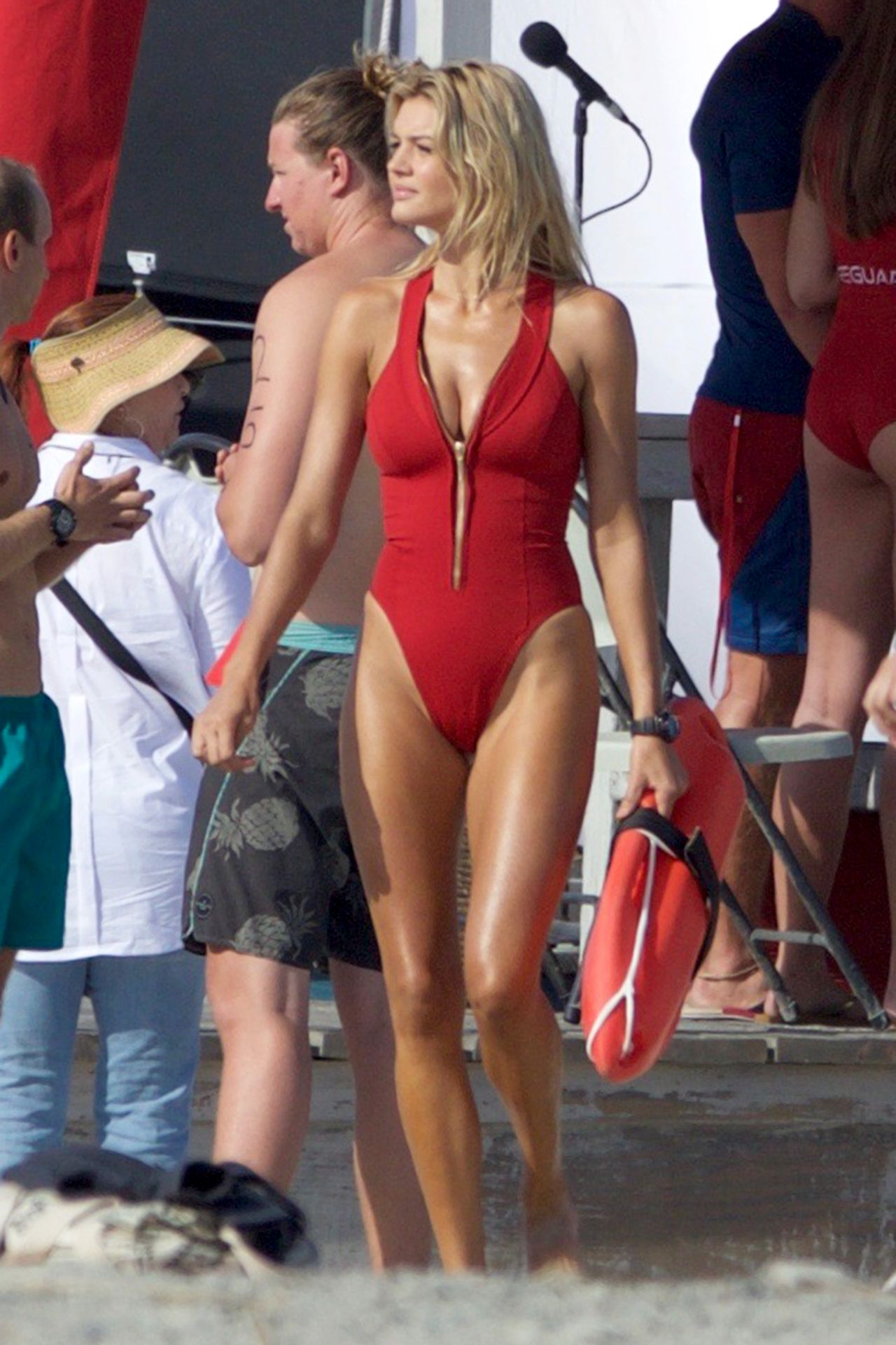Kelly Rohrbach On The Set Of Baywatch In Georgia 4182016-6958