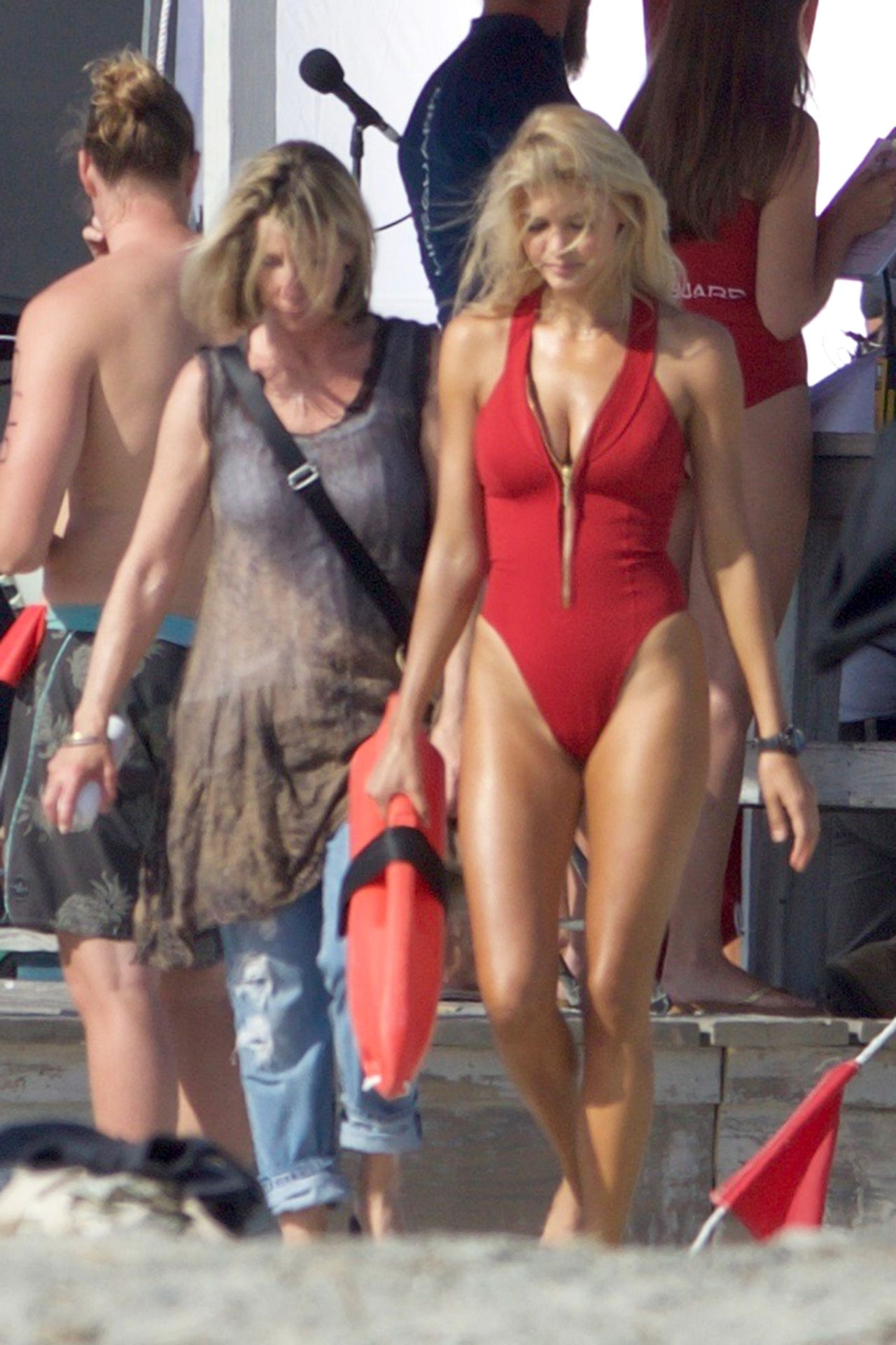 Kelly Rohrbach On The Set Of Baywatch In Georgia 4 18 2016