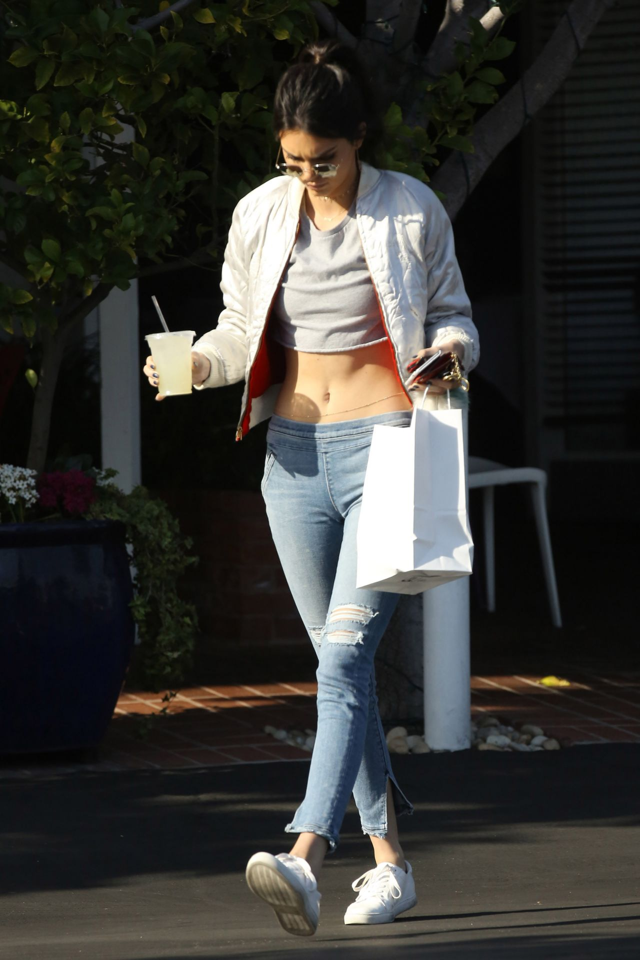 kendall jenner in jeans  26  2016