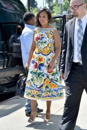 Kerry Washington Wears a Beautiful Floral Dress - Leaves a Restaurant in Pasadena, April 2016
