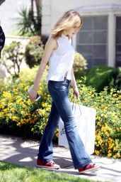 Kiernan Shipka Street Style - Getting a Dress Fitted in Beverly Hills 4/27/2016