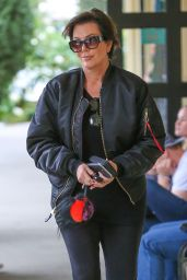 Kris Jenner - Grabbing Some Sushi for Lunch Near Her Home in Calabasas 4/9/2016
