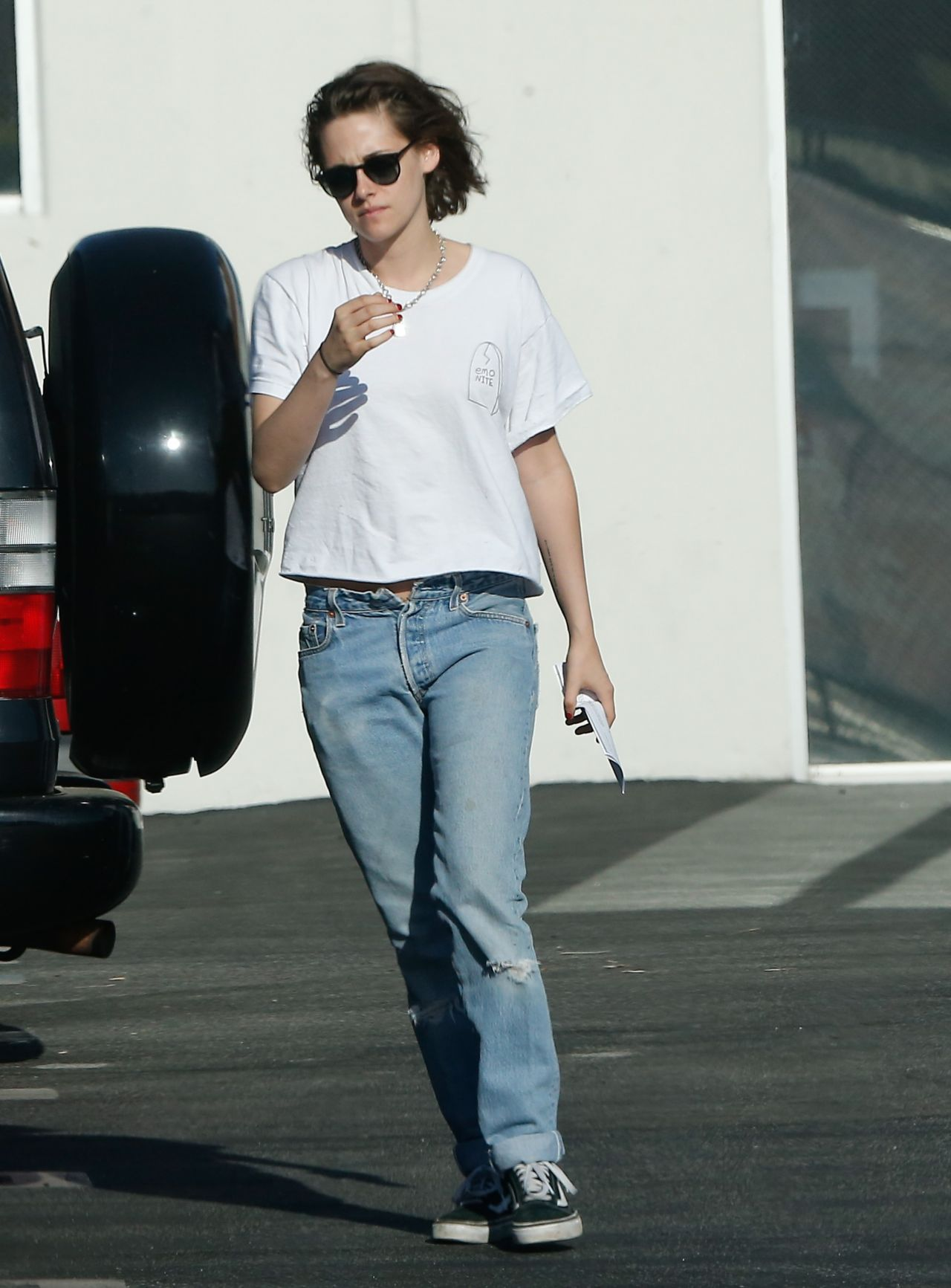 Kristen Stewart Street Style Out In Hollywood 4 1 2016