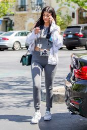 Kylie Jenner Outfit Ideas - Leaving Le Pain Quotidien After Lunch in Calabasas, CA 4/24/2016