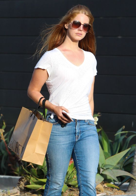 Lana Del Rey Street Style - Out in LA 4/22/2016