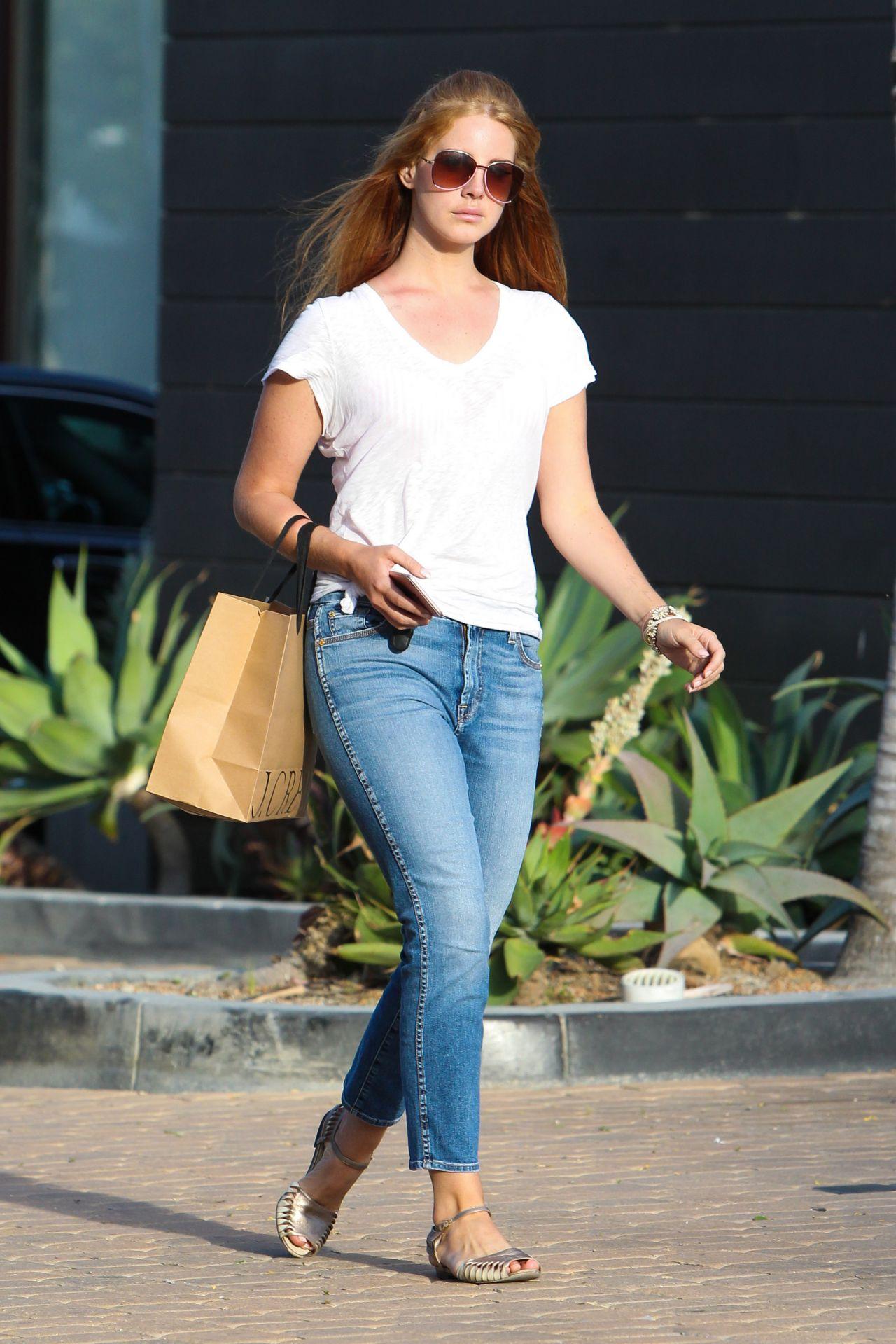 Lana Del Rey Street Style - Out in LA 4/22/2016