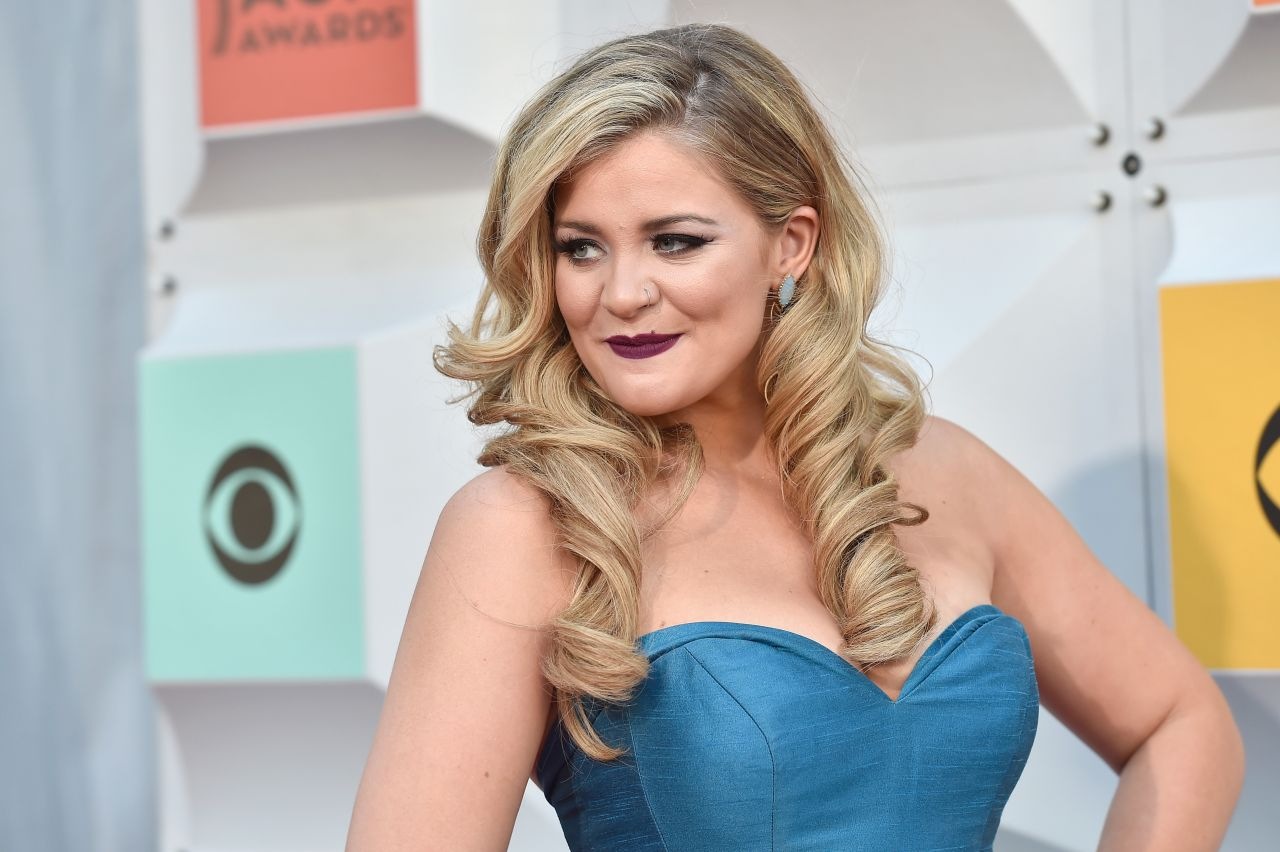 Lauren Alaina Academy Of Country Music Awards 2016 In