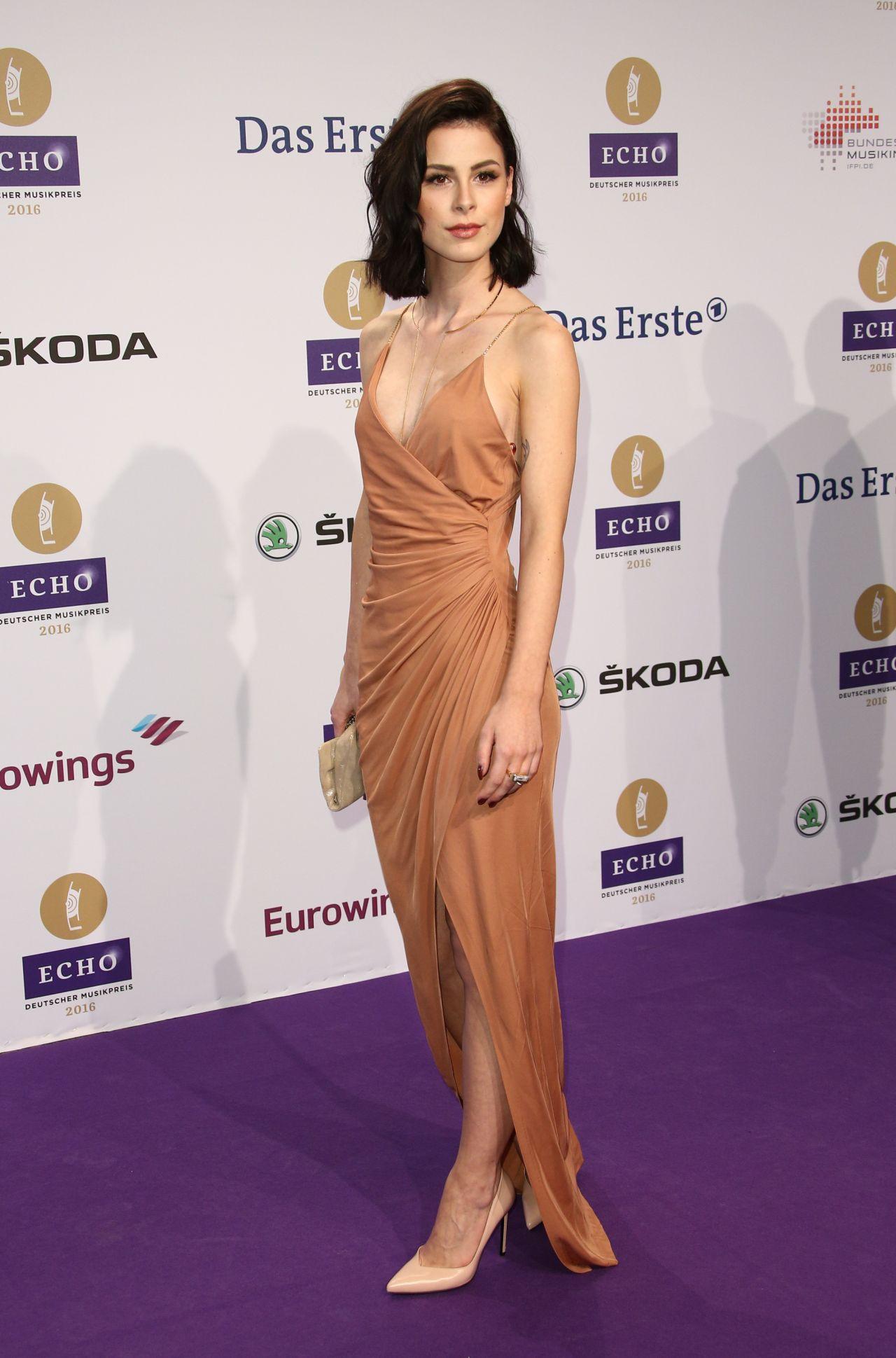 Lena Meyer-Landrut –... Peyton Roi List Kids Choice Awards