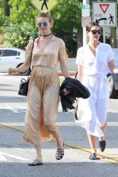 Lily Aldridge Joins Her Expecting Friend Model Behati Prinsloo for Shopping at Bel Bambini in Beverly Hills 4/5/2016