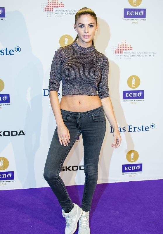 Lisa Tomaschewsky – 2016 Echo Music Awards in Berlin, Germany