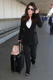 Lisa Vanderpump - Ready For a Meeting Onto a Flight at LAX in Los Angeles - 4/20/2016