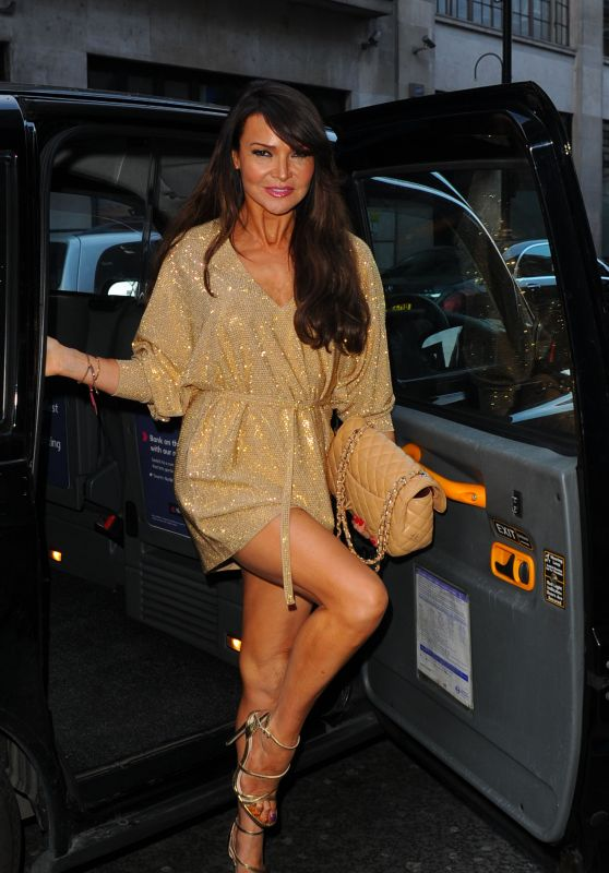 Lizzie Cundy Outfit Ideas - Arrives at GQ Food & Drink Awards in London 4/27/2016