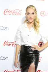 Maika Monroe – CinemaCon Big Screen Achievement Awards Las Vegas 4/14/2016