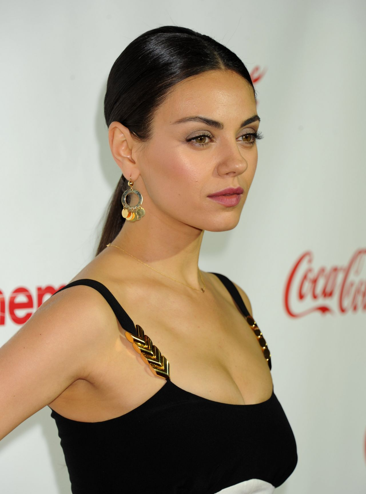 Mila Kunis Big Screen Achievement Awards Cinemacon