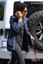 Nicole Murphy Street Style - Shopping at Bristol Farms 4/4/2016