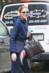 Olivia Palermo - Getting Into a Yellow Cab in Brooklyn, NYC 4/4/2016