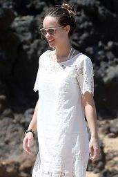 Olivia Wilde at the Beach in Maui, Hawaii, 4/16/2016