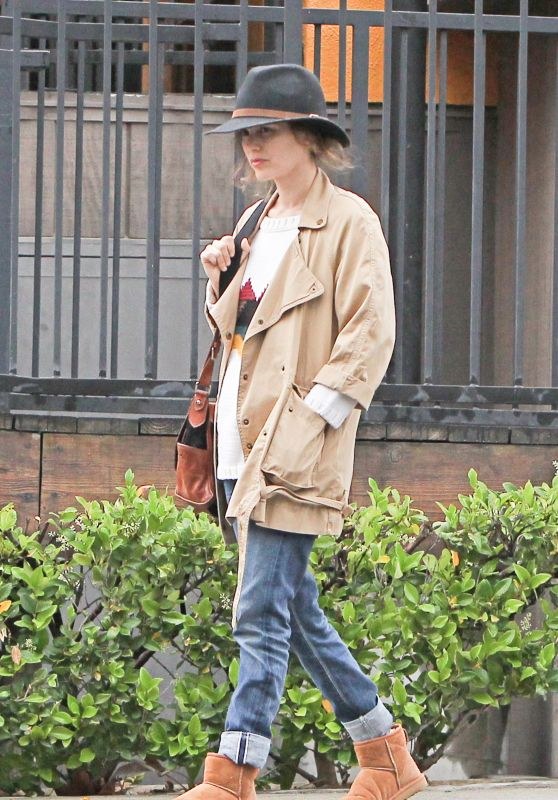 Rachel Bilson Street Style - Shopping in LA 4/8/2016