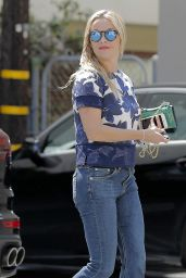 Reese Witherspoon in Jeans - Out in Santa Monica 4/12/2016
