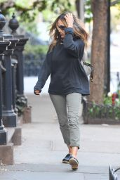 Sarah Jessica Parker With No Makup and Covering Her Face in New York City, April 2016