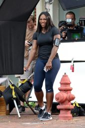 Serena Williams Shows Off Her Famous Curves in Tight Workout Gear - Florida 4/4/2016