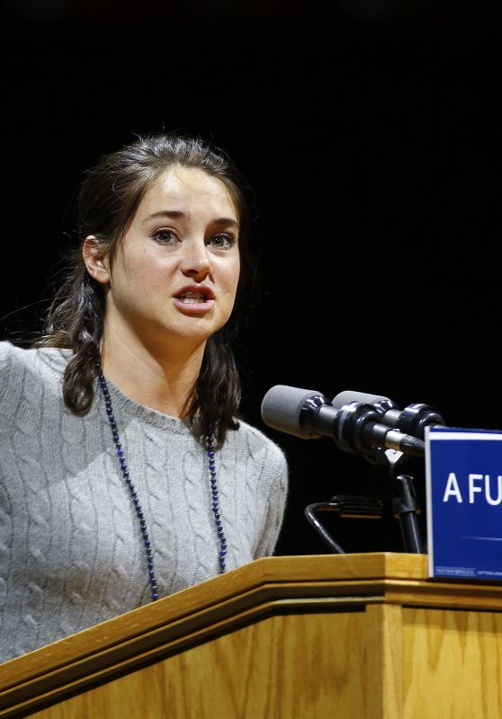 Shailene Woodley - Speaking at a Bernie Sanders Rally in Madison, Wisconsin 4/3/2016
