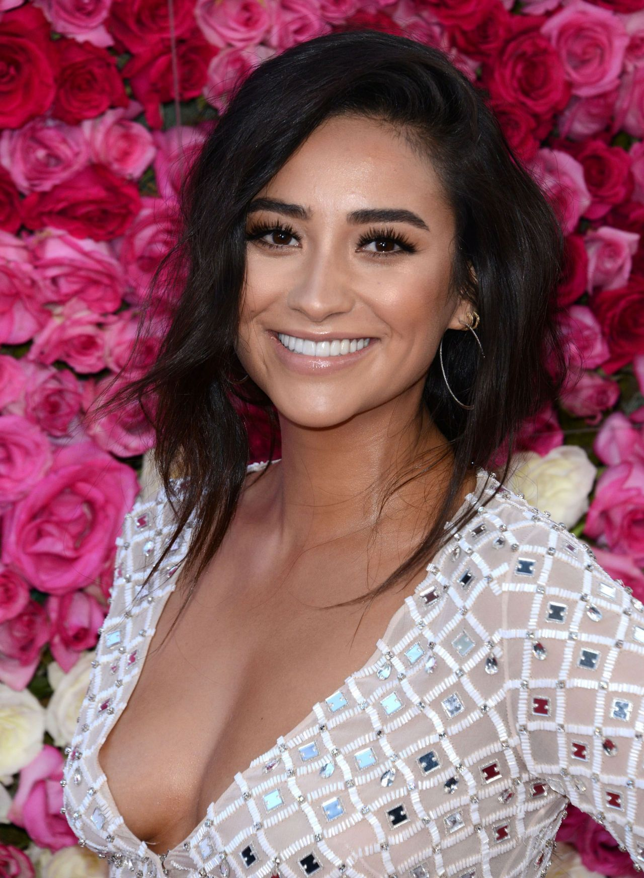 Shay Mitchell Mother S Day World Premiere In Los