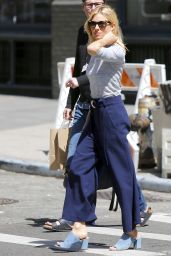 Sienna Miller Street Style - Out in NYC 4/21/2016