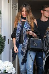 Sofia Vergara - Visits Epione Skin Care Center in Beverly Hills 4/20/2016