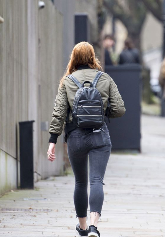 Sophie Turner Booty in Jeans - Out in London, UK April 2016