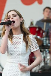 Sydney Sierota - Performing During H&M at Sundance Square Opening in Fort Worth, Texas  4/20/2016