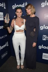 Taylor Swift – 2016 GLAAD Media Awards in Beverly Hills 4/02/2016