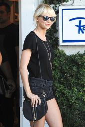 Taylor Swift Leggy in Shorts - Shopping at Fred Segal 4/28/2016